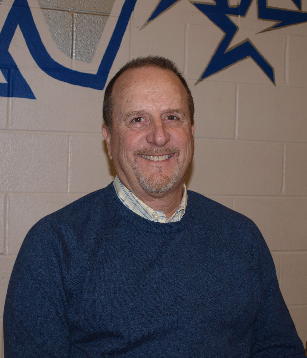 THANK YOU #D303 RETIREES- Mr. Robert Prentiss, Physical Education Teacher @StCharlesNorth 32 years with D303.<br>http://pic.twitter.com/KtBnJiC6s1