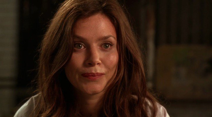 New happy birthday shot What movie is it? 5 min to answer! (5 points) [Anna Friel, 41]