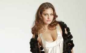 Happy Birthday to the one and only Phoebe Tonkin!!!