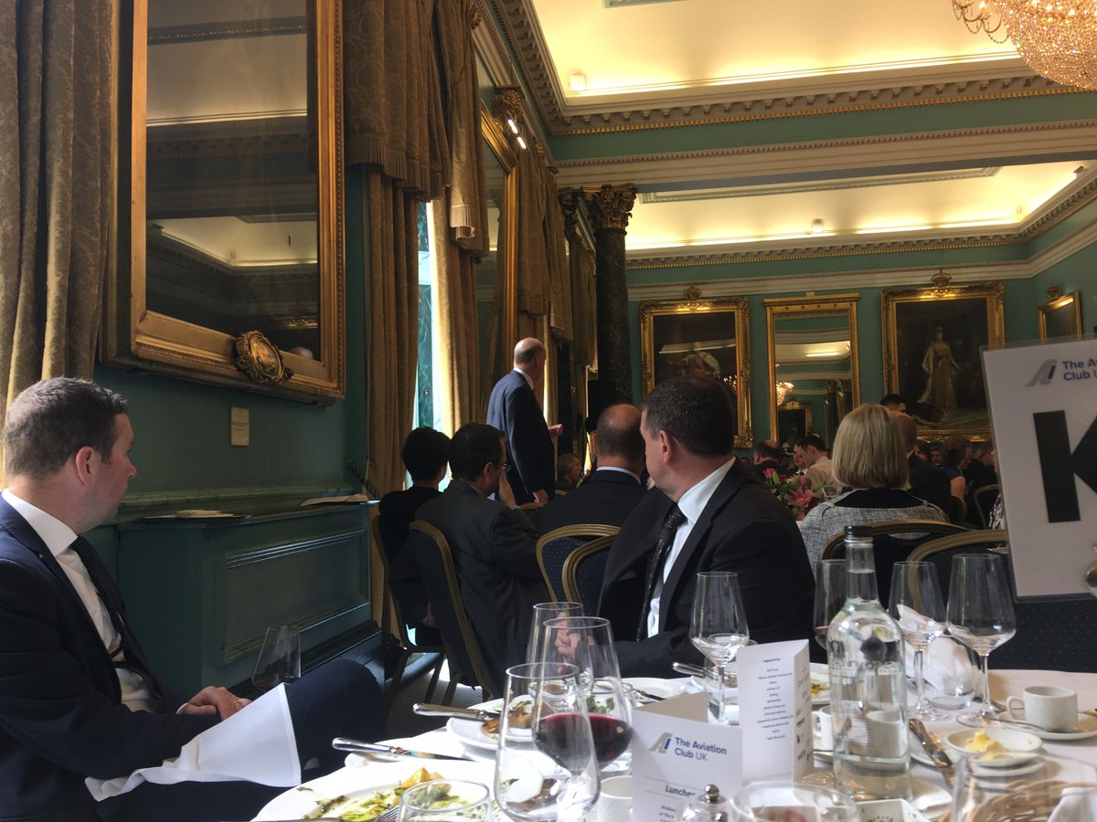 #SingletonPR team enjoyed a great @AVClubUK lunch today with Rt.Hon.Chris Grayling MP  - discussing future policy for UK aviation