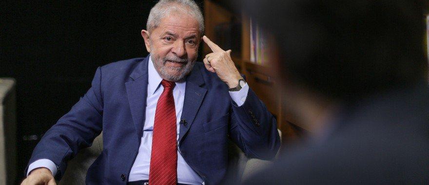 Leia a íntegra da sentença de Moro condenando Lula a nove anos e meio de prisão: https://t.co/5F9Wjh865t