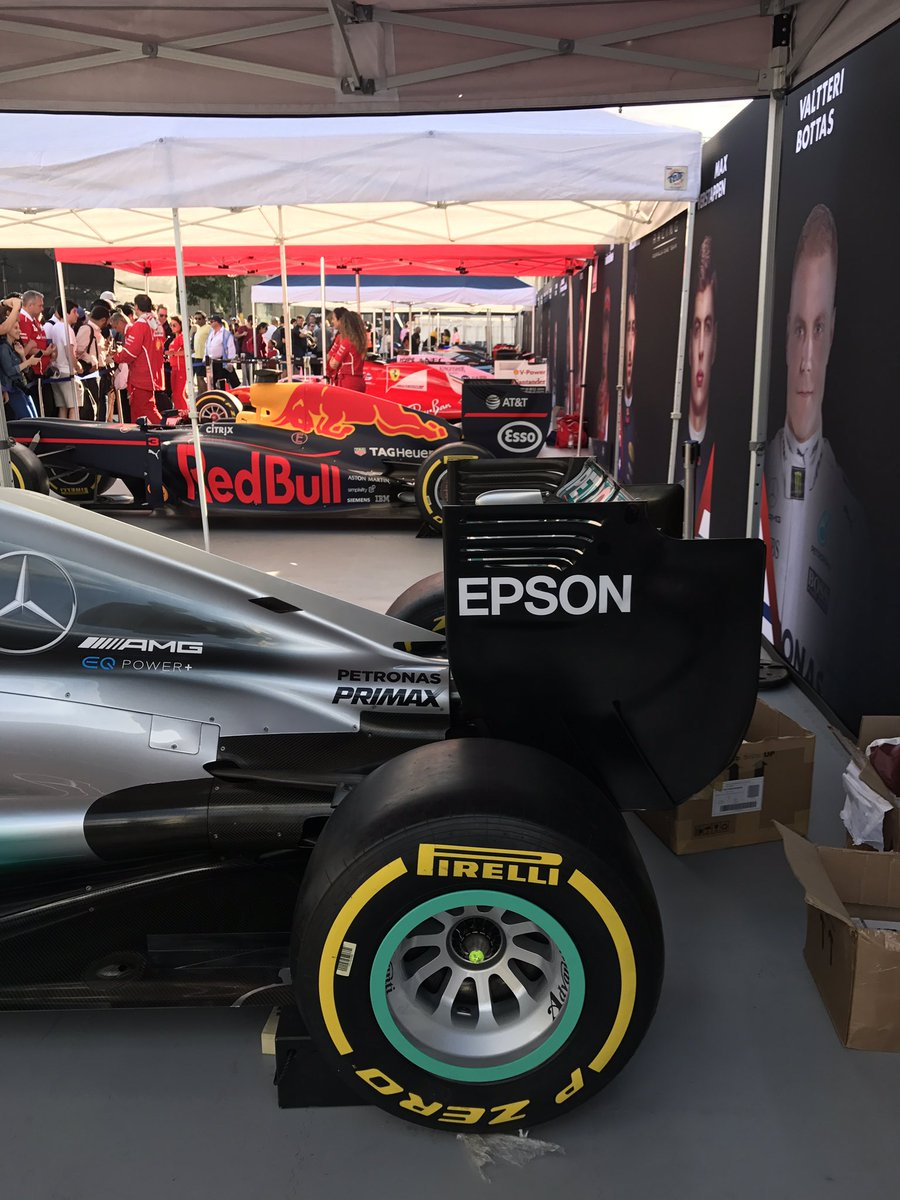Formula 1 Brings Little Mix And Fast Cars To Trafalgar Square