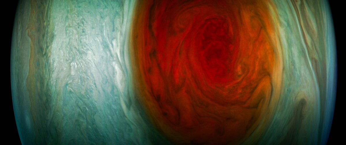I'm seeing spots! Check out #Jupiter's #GreatRedSpot in these stunning citizen scientist-processed #JunoCam images https://www.missionjuno.swri.edu/news/juno-spots-great-red-spot …