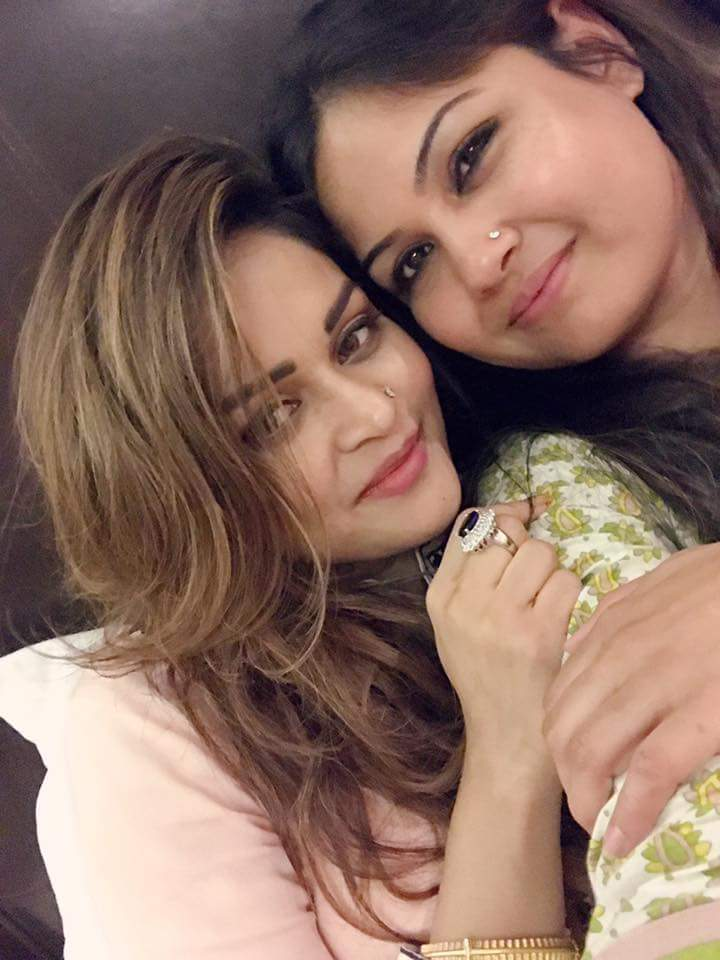 Nafisa Kamal with sexy female friend Height, Weight, Age, Body Measurement, Wedding, Bra Size, Husband, DOB, instagram, facebook, twitter, wiki