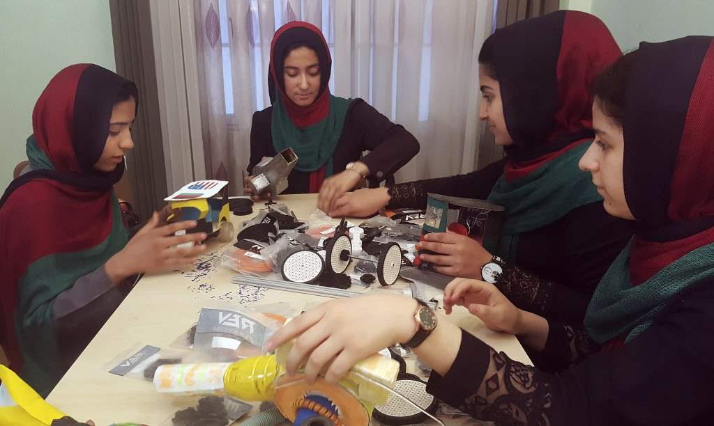 test Twitter Media - Chicago News Trump allows Afghan girls into US for robotics contest https://t.co/9Z3wYgHUmh https://t.co/u3QCJejz06