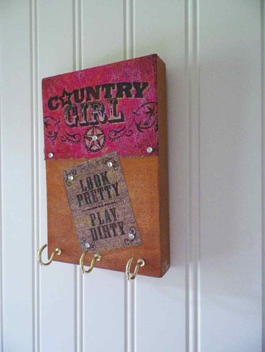 Key Holder Necklace Hanger Rustic Wooden Wall Decor Co…  http:// etsy.me/2s5THPf  &nbsp;   #decorativeknobs #CountryRusticDecor<br>http://pic.twitter.com/mGO6xLlXEH