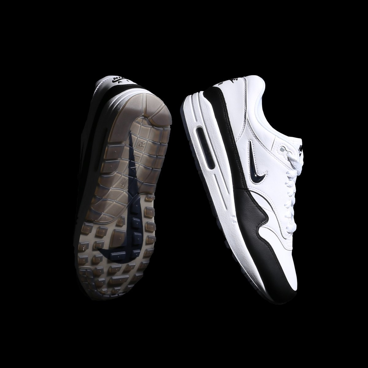 size 40 c4da7 3da3e MoreSneakers.com