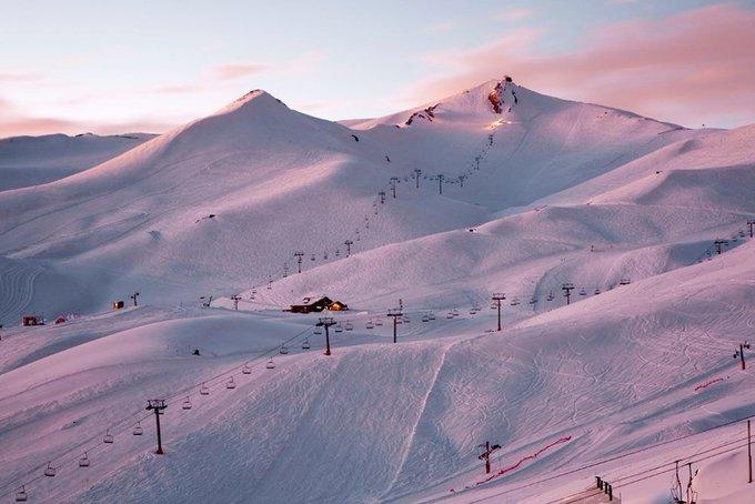 ¿Qué debes saber sobre una de las estaciones más modernas de los Andes? @Valle_Nevado @nevasport 👍 ➡️ https://t.co/VLPMe2E4Ld