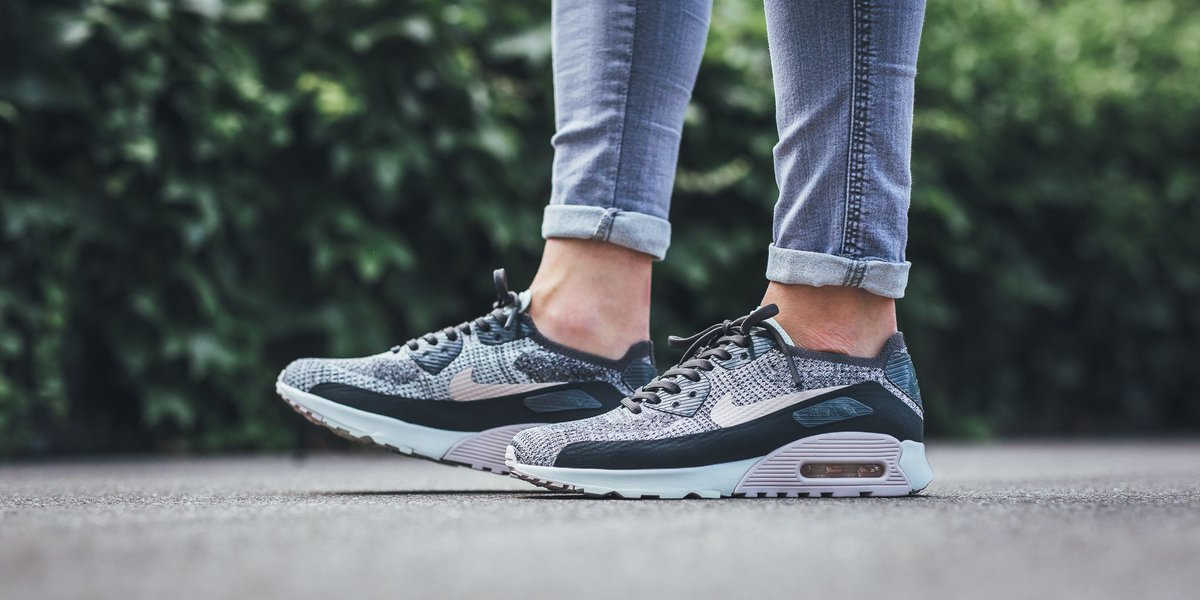 Nike Wmns Air Max 90 Ultra 2.0 Flyknit (Midnight Fog Silt Red Sail)