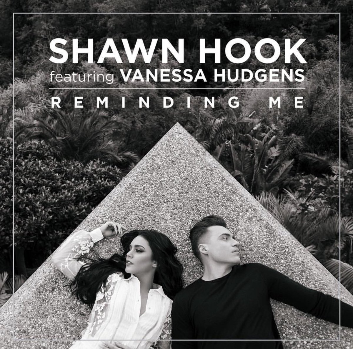 #RemindingMe is now Gold certified in #Canada  Thanks to all of you who&#39;ve supported this from the get go!  @vanessahudgens <br>http://pic.twitter.com/YzGb64fdGw