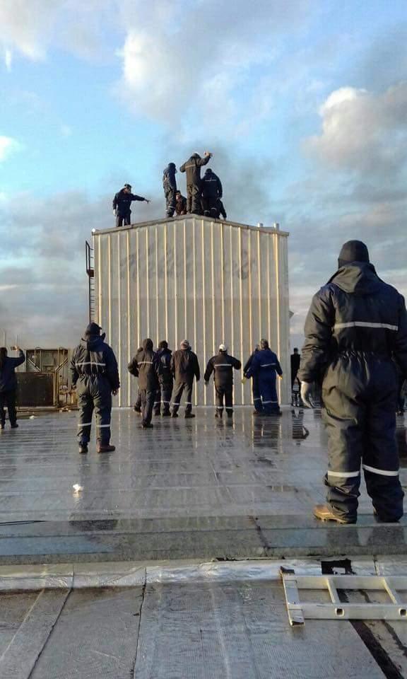 #MacriReprimePepsico pero los trabajadores resisten. Nuestras vidas valen mas q sus ganancias. #NoALaRepresión  Leo Norniella presente!! https://t.co/BmctE5fTu9