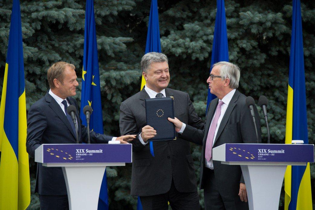 """Безвиз Украины с ЕС стал возможен благодаря """"напористости"""" президента Порошенко, - Меркель - Цензор.НЕТ 3136"""