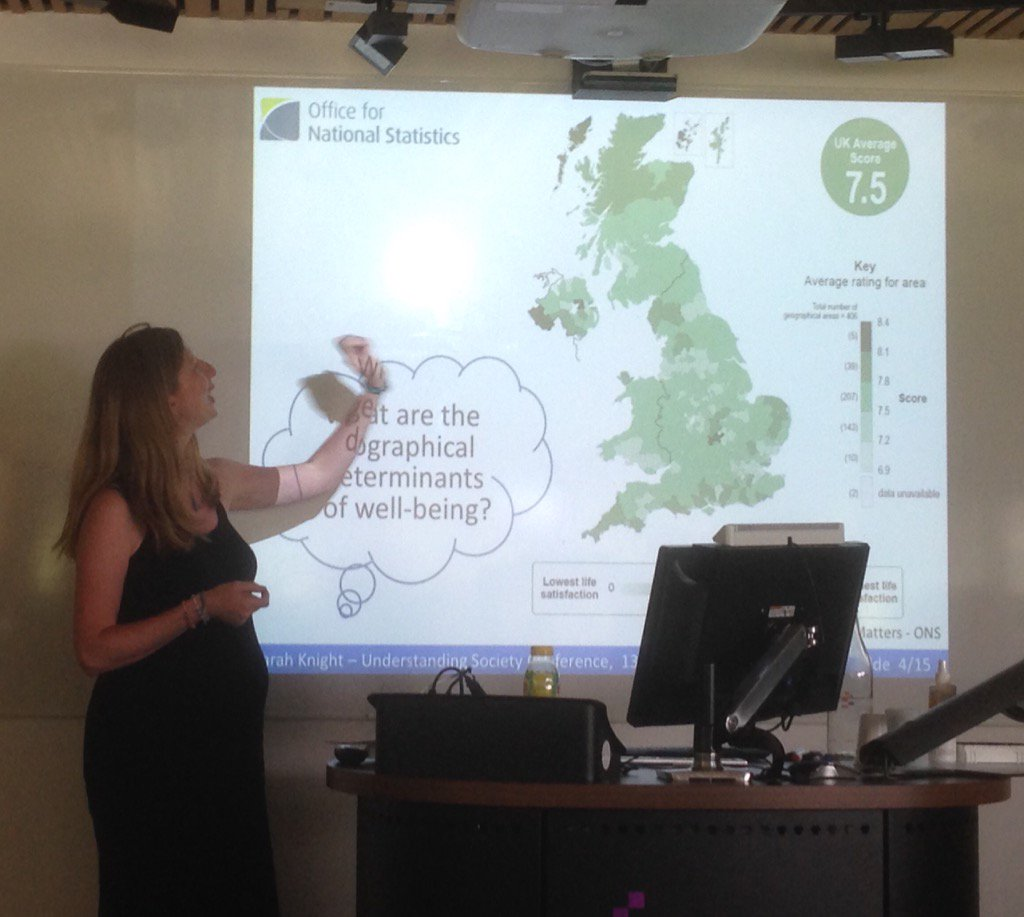 @sarah_gis presenting her award-winning paper on air pollution and satisfaction #usociety17 <br>http://pic.twitter.com/WFmdiJlRUH