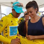 RT pour gagner ce @MaillotjauneLCL @lecoqsportif signé par @FabioAru1 / RT to win this Yellow Jersey signed by Aru #TDF2017