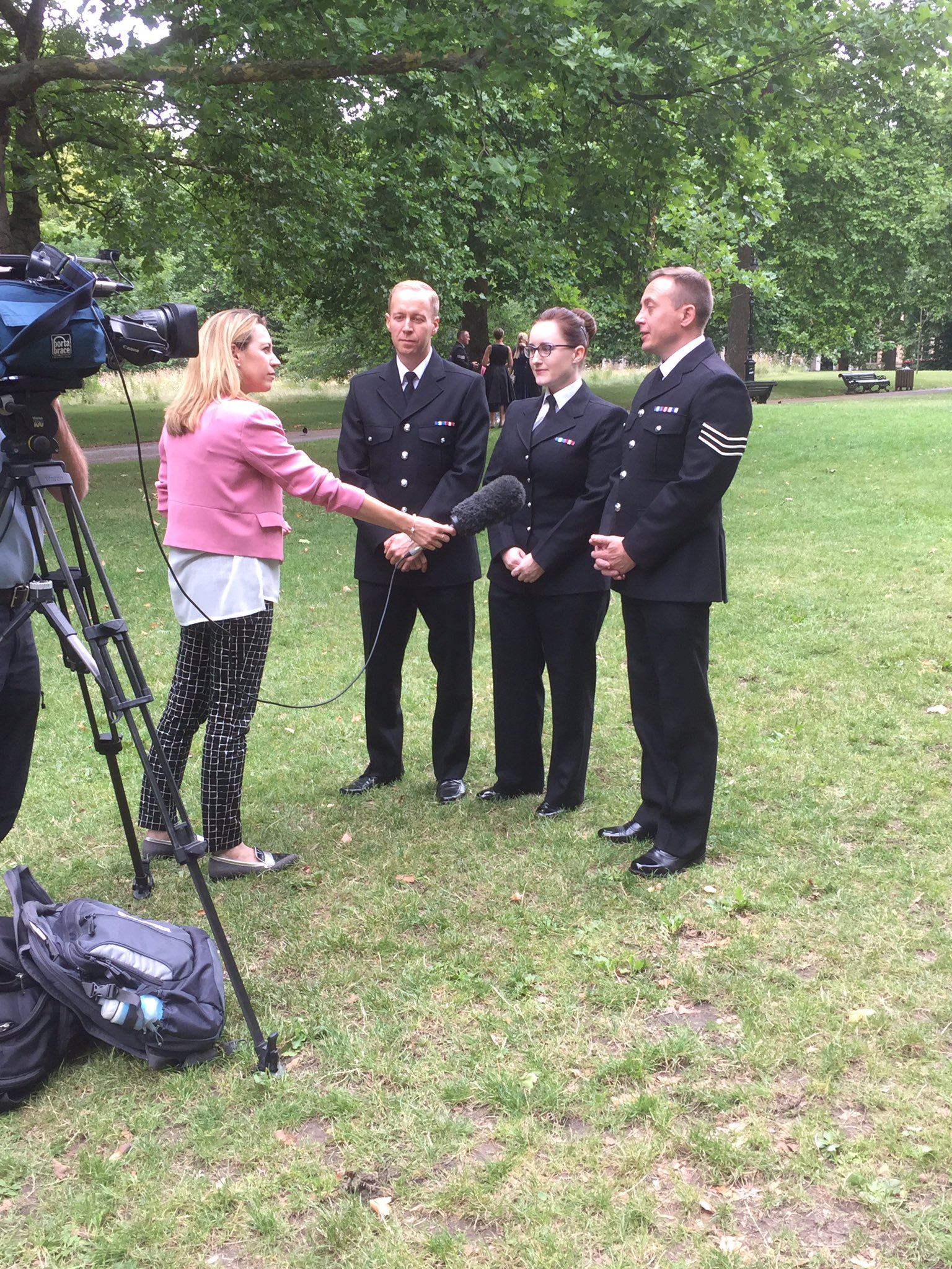 PCs Sarah Currie & Michael Otterson, & Sgt Elliott Richardson from @northumbriapol talk about their #PoliceBravery on @itvnews tonight https://t.co/J2naTD2Xi8