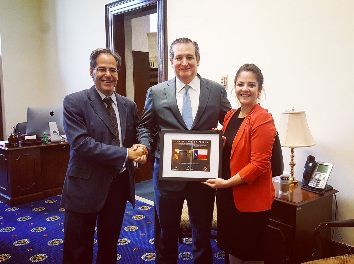Thank you @SenTedCruz for inviting @jeffmanber to represent NanoRacks on this morning's @SenateCommerce hearing on the #US Frontier in Space