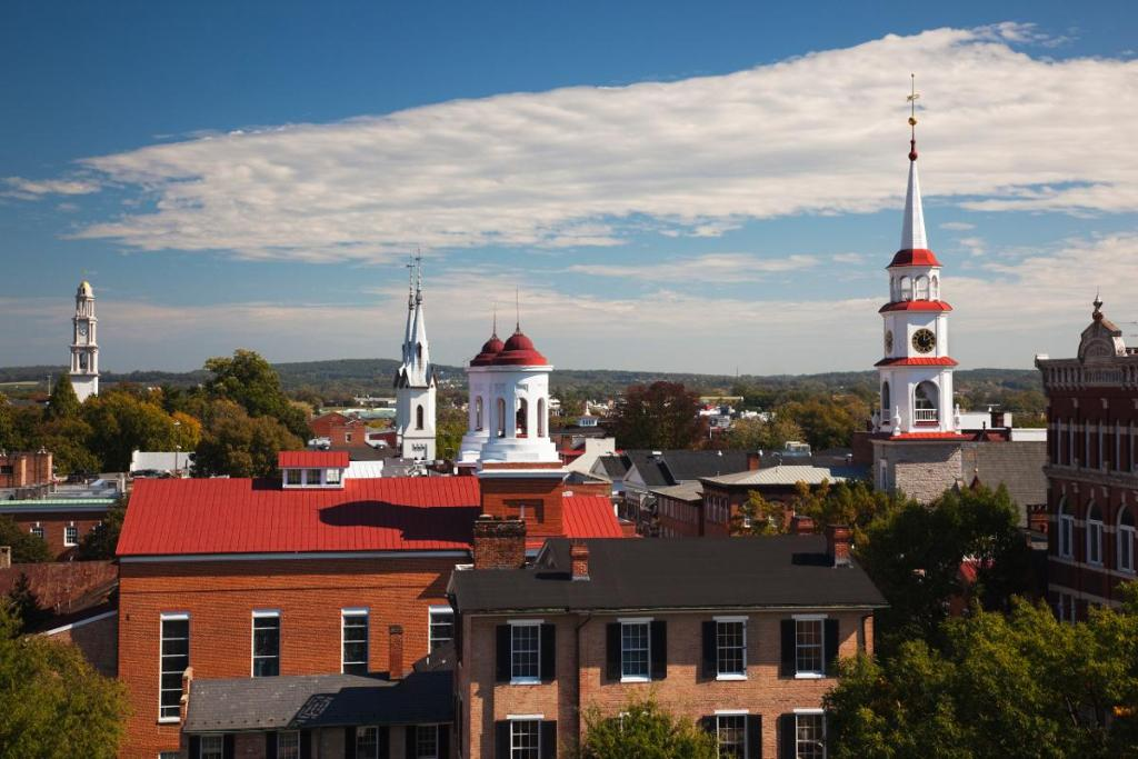 The richest counties in America: 1. Loudon County, VA 2. Falls Church, VA 3. Fairfax County, VA https://t.co/ostTMp1iNY