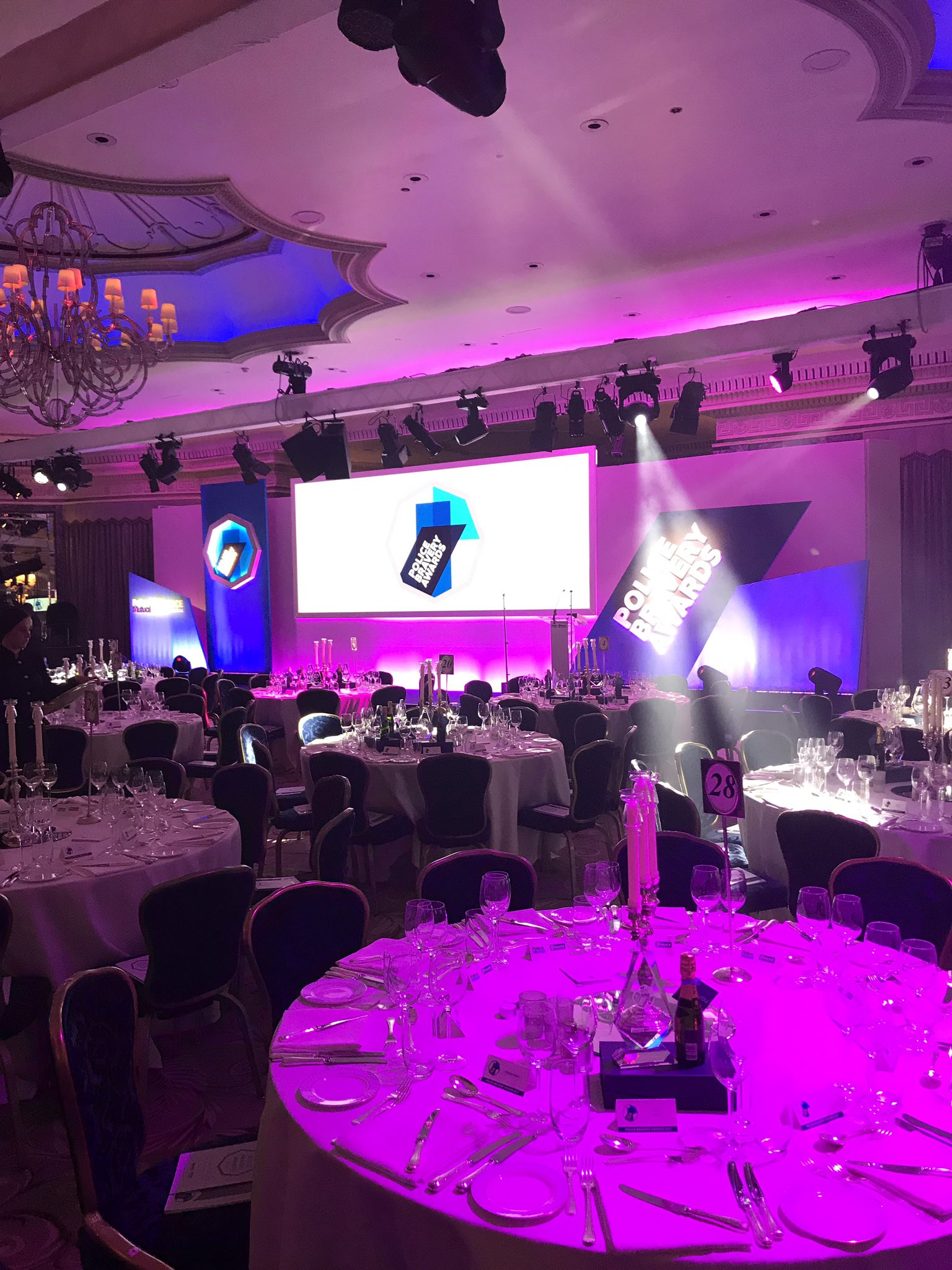 All ready for a wonderful evening, good luck to all the nominees #PoliceBravery https://t.co/qs3GGQRyGG