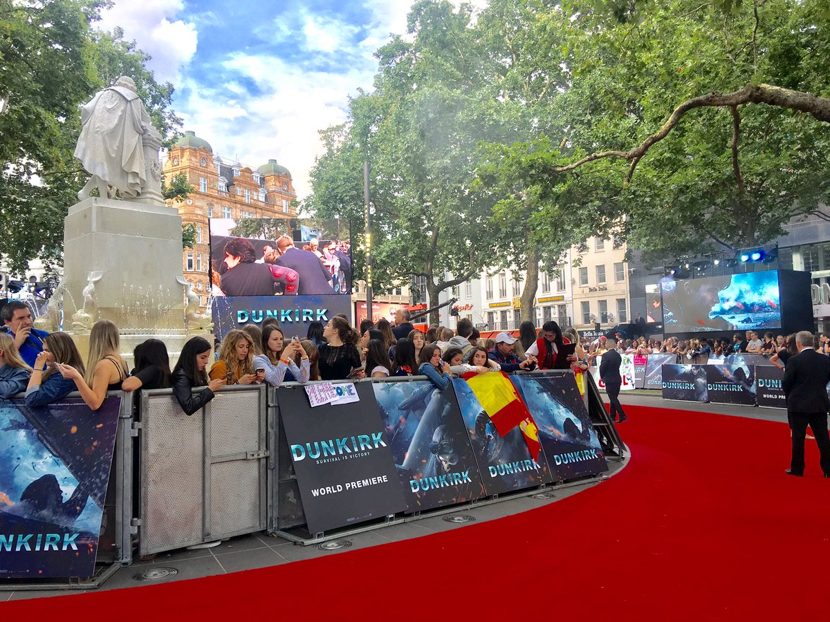 Watch the #DunkirkPremiere live https://t.co/TmQ6vvirbI Harry & cast have arrived here in London for the Dunkirk film premiere.