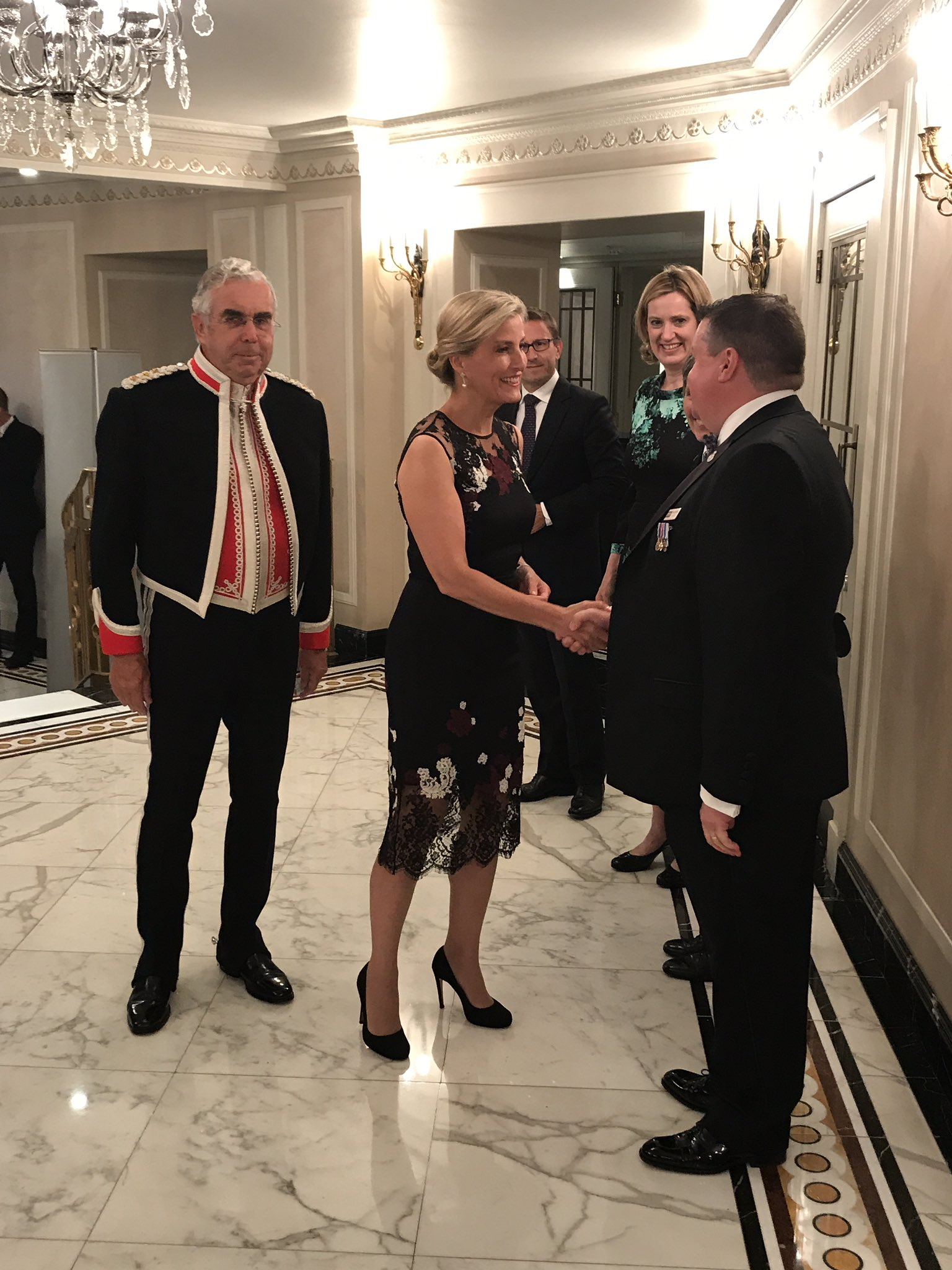Honoured to welcome HRH Countess of Wessex to this year's #PoliceBravery awards @RoyalFamily  @AmberRuddHR @metpoliceuk @PFEW_Chair https://t.co/1h1nrwY0gu