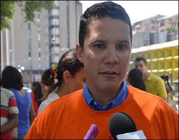 #Valencia #13Julio Epa q paso aqui @ Carlos Graffe el Lider de #Terroristas #Isabelica se cayo con los kilos (C4) https://t.co/A5Hwg7urAc   https://t.co/h1UXCVESm6
