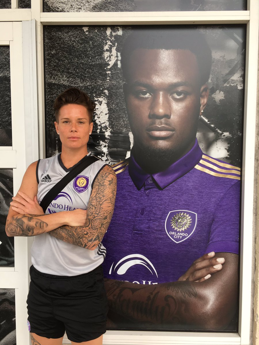 Who wore it better... 😘 @CyleLarin https...