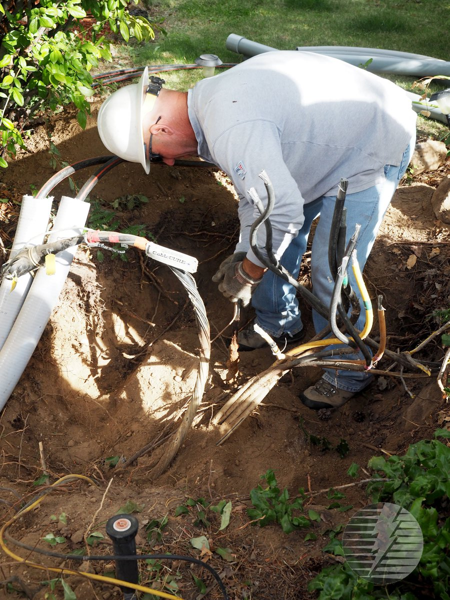 @CentralElectric continues its underground projects for 2017. Learn more in this month&#39;s #Ruralite :  http:// bit.ly/2lhyn8K  &nbsp;  <br>http://pic.twitter.com/VjhbqjXjKK