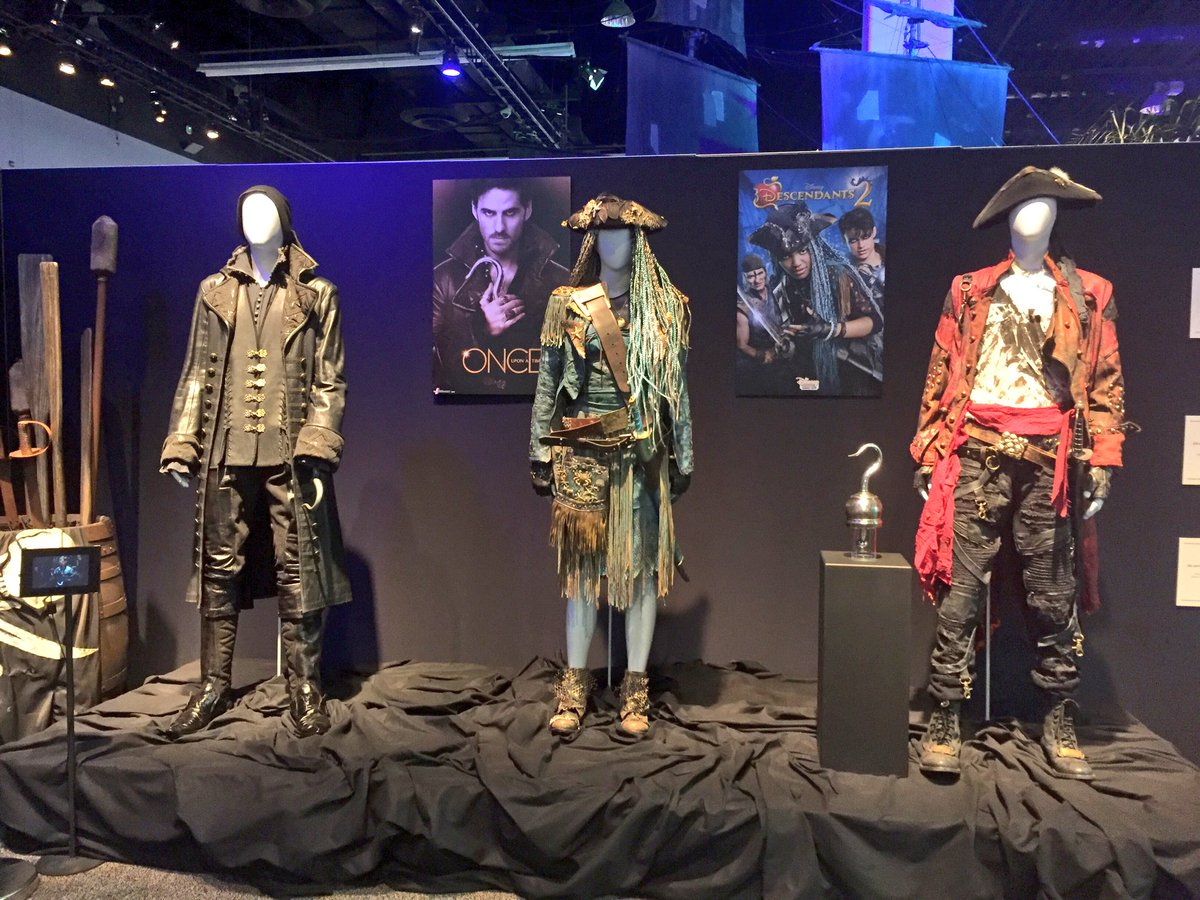 Celebrating all things #DisneyPirates, fans can also see @OnceABC and @descendants costumes! #D23Expo<br>http://pic.twitter.com/aOpYZFiaq2