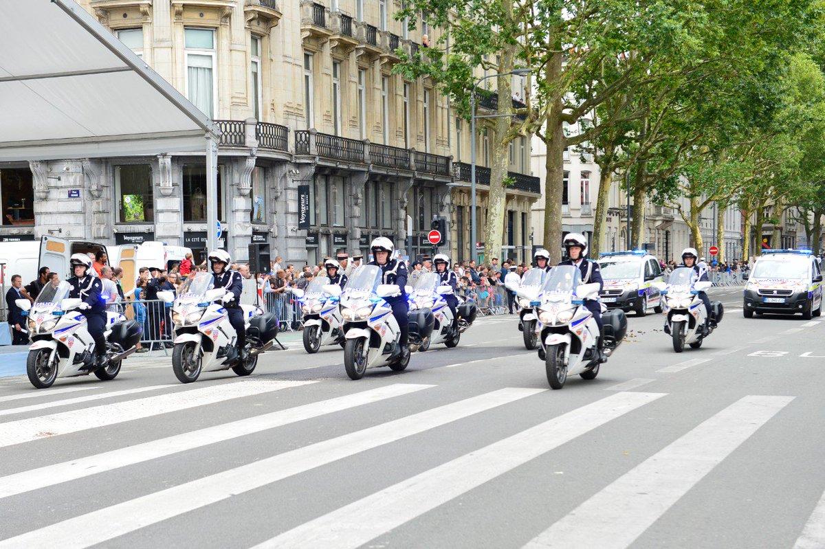 Police nationale 59 on twitter 14juillet d fil du for Police nationale lille