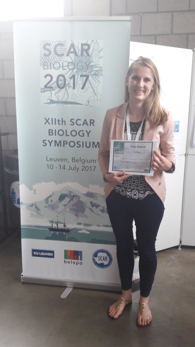 Alta Zietsman wins the first prize for #earlycareer presentation at #SCARbio17 in Leuven! Congrats Alta! <br>http://pic.twitter.com/rmFnDlDesS