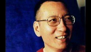 Liu Xiaobo foi 'lutador corajoso pelos direitos civis', diz Merkel https://t.co/6HZQP6k26X