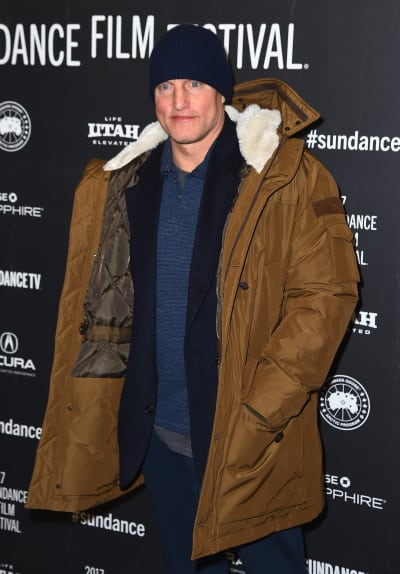 #Woody #Harrelson Opens Up About #Foursomes, #Police #Brutality &amp; #Quitting Pot  http:// bit.ly/2sYc8EV  &nbsp;  <br>http://pic.twitter.com/8p8XUUq8P0