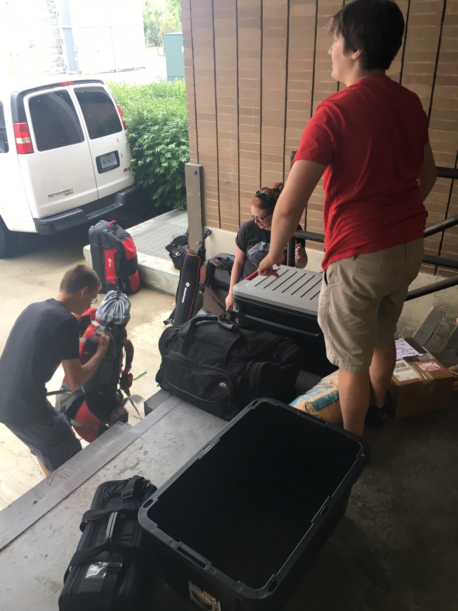 #tbt to...yesterday. Loading up! #VTTriassicFieldwork https://t.co/TDC8Wk4O5O