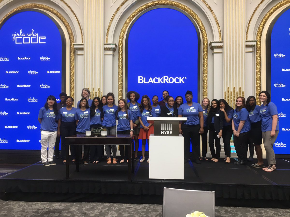 Our #BlackRock @GirlsWhoCode class getting ready to ring the #ClosingBell @NYSE 4pm ET!