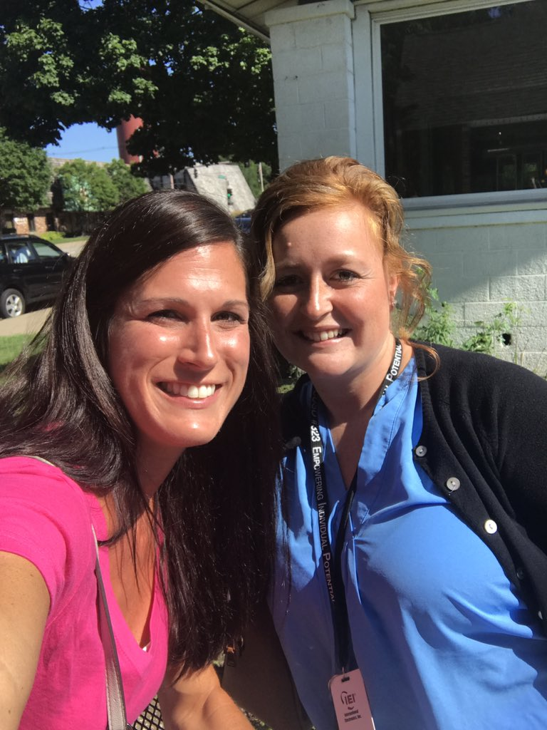 New curriculum friend!! Shared a technology tool to implement in the classroom! #CoffeeEDU #323learns @engagedliteracy https://t.co/o8LaTHhqJX