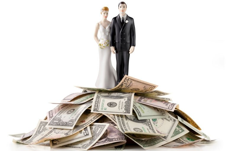 The Advantages of Opening a Joint Account With Your Spouse