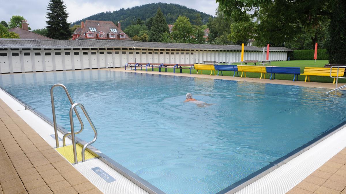 Frauen freibad news informationen und aktuelles in for Freiburg piscine