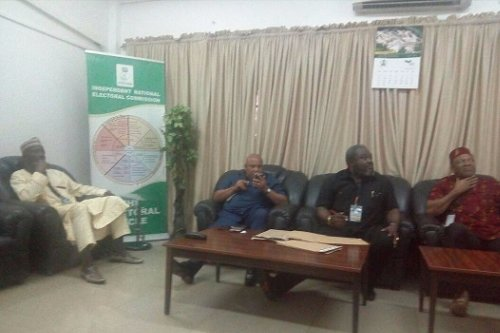 APGA chairman Martin Agbaso, on Friday, stormed INEC national secretariat armed with the various court rulings to serve it the order of mandamus.