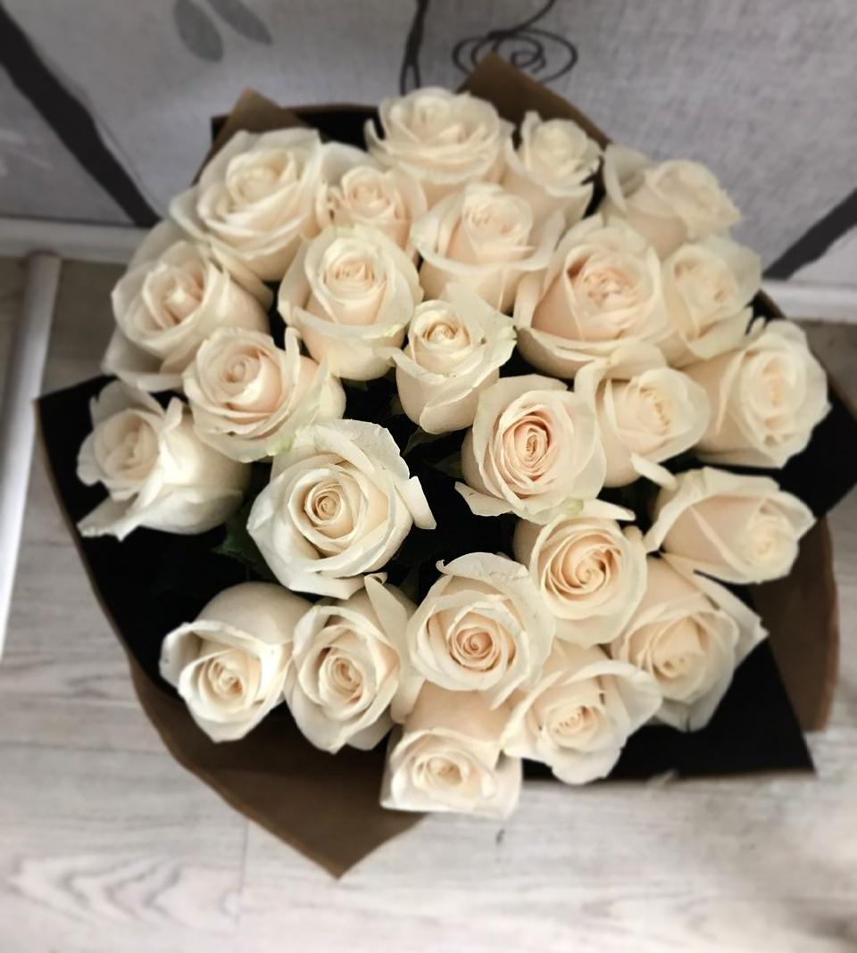 знать букеты белых роз для любимой фото бульона напрямую