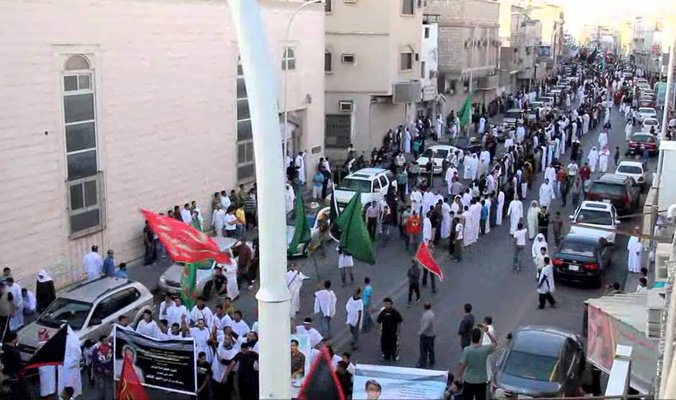 #Saudi_forces kill three people and injure others in #Al_Awamiya east of #Saudi  https://www. facebook.com/alghadeer.engl ish/photos/a.1382235475435945.1073741828.1382157918777034/1906535736339247/?type=3&amp;theater &nbsp; …   #UN #HR #HRW #AI #Riyadh #USA  #EU<br>http://pic.twitter.com/NUtwD19ZsK