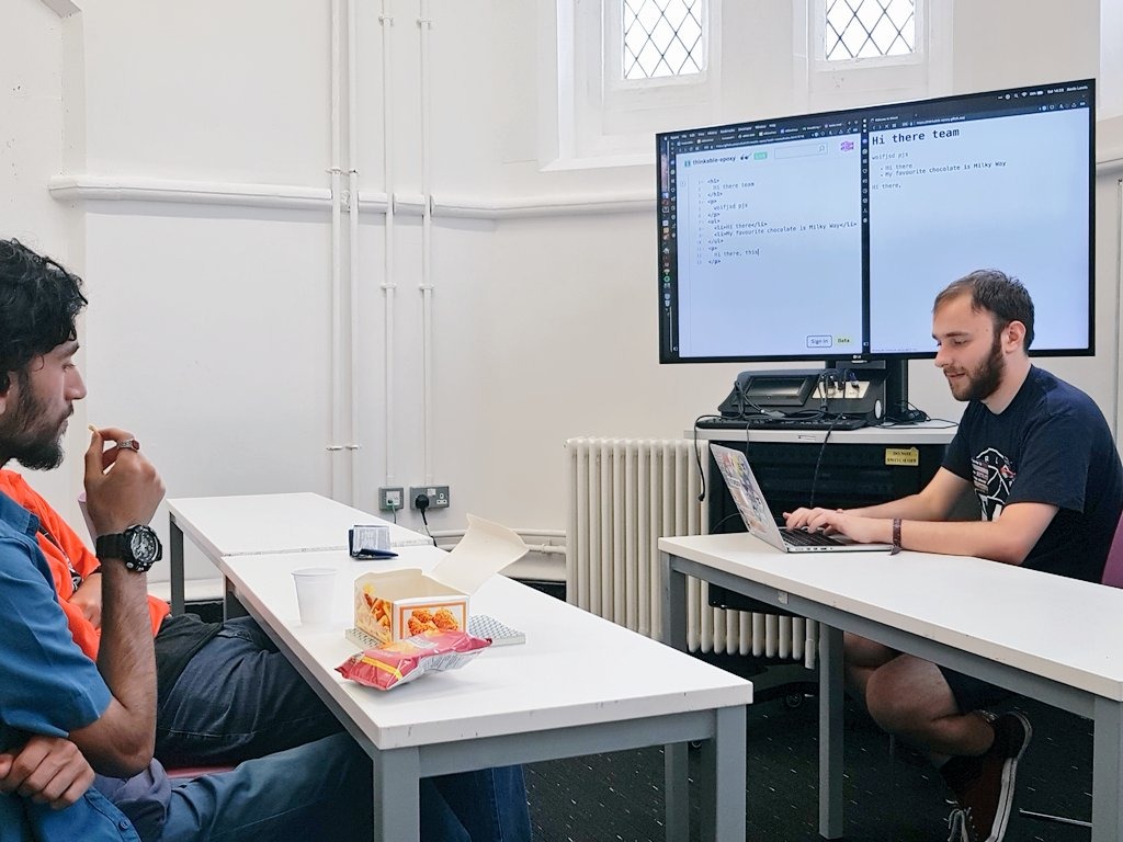 Kevin's running his intro to HTML and web design workshop #UKGH17 https://t.co/yuVxJWaybB