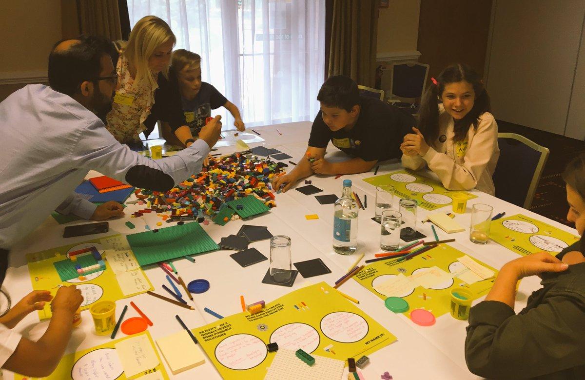 Time for some rapid prototyping... #Kidovation #DesignThinking #Lego #Digital #AccentOnFamily @AccentureDigiUK @Julia_Scarlet https://t.co/jlK1P0M7Yd