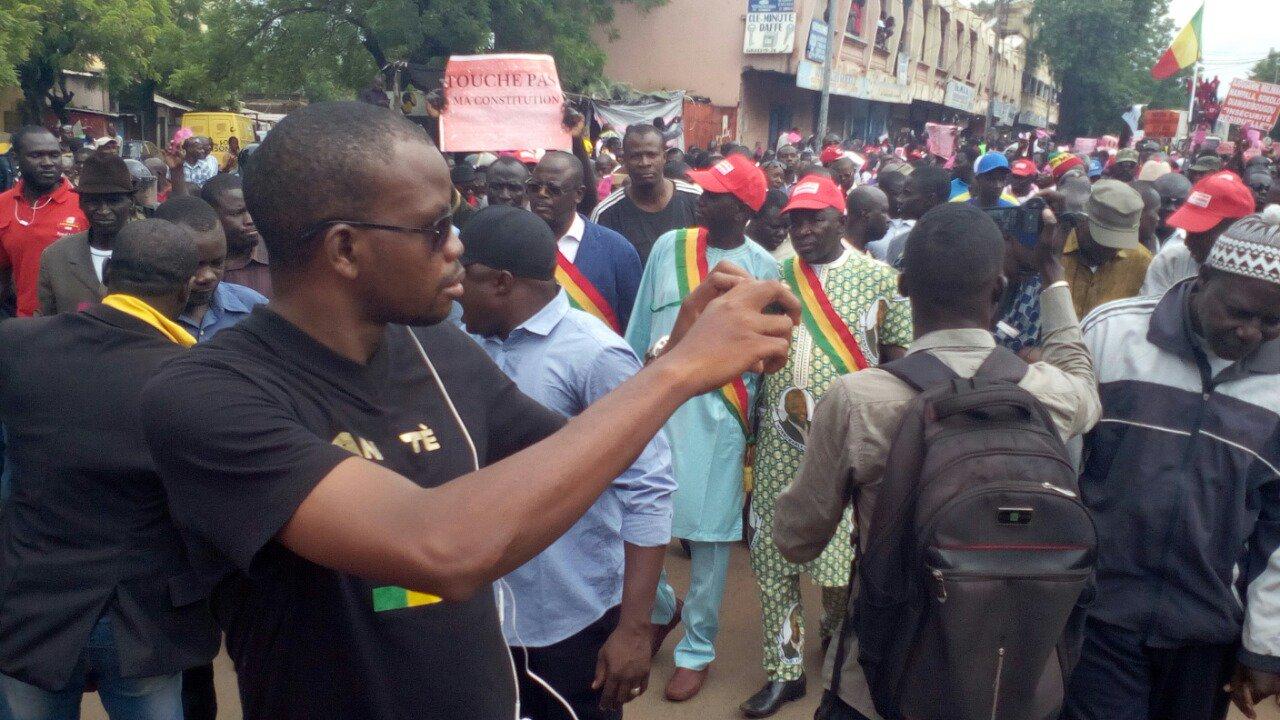 #MALI #Referendum #Constitution Le parti Renouveau Kaoural a rejoint la marche https://t.co/MELIUjPenW