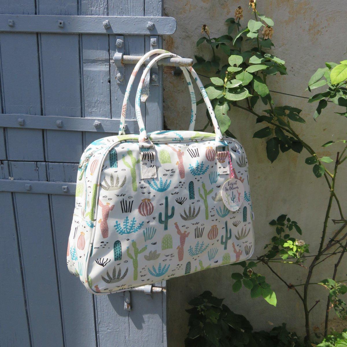 C&#39;est le Week-end ! On fait son sac et on se fait plaisir ! #weekend #sac #cactus #sun #look #tendance #vacances  http://www. lacavernearcenciel.com  &nbsp;  <br>http://pic.twitter.com/aj5ujWKktQ