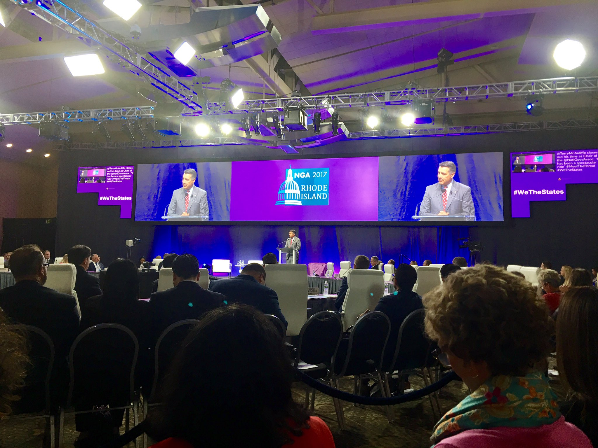 @TerryMcAuliffe hands the gavel to new chair @BrianSandoval via drone delivery! #WeTheStates @NatlGovsAssoc https://t.co/g2OSa28zQS