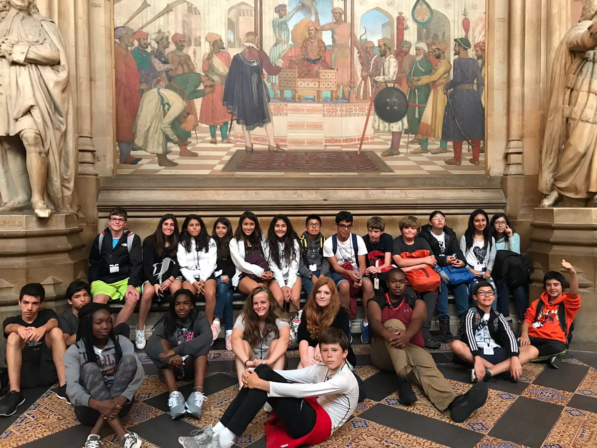 Colegio Peruano Britanico and @WoodwardAcademy in St. Stephen&#39;s Hall  #UKParliament #isca2017<br>http://pic.twitter.com/vw0ZtDcelS