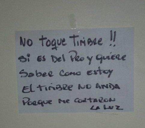 Vecinos le dejan mensajes al timbreo de Cambiemos.  https://t.co/mapVsZuT6b #CambiandoJuntos https://t.co/Tnd7dZtmNk