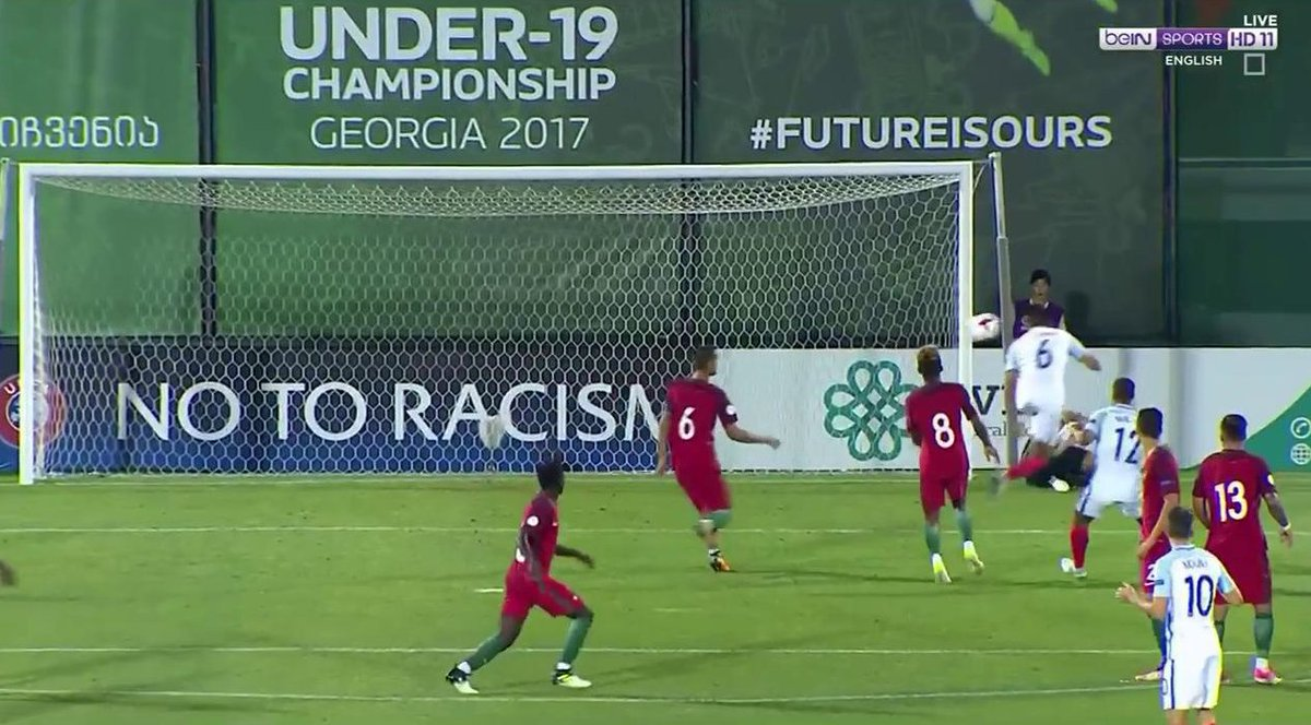 GOAL  Mount strikes the post from range and Suliman is quickest to follow up! #POR 0 #ENG 1 #U19EURO<br>http://pic.twitter.com/VIU2ZSfn9j