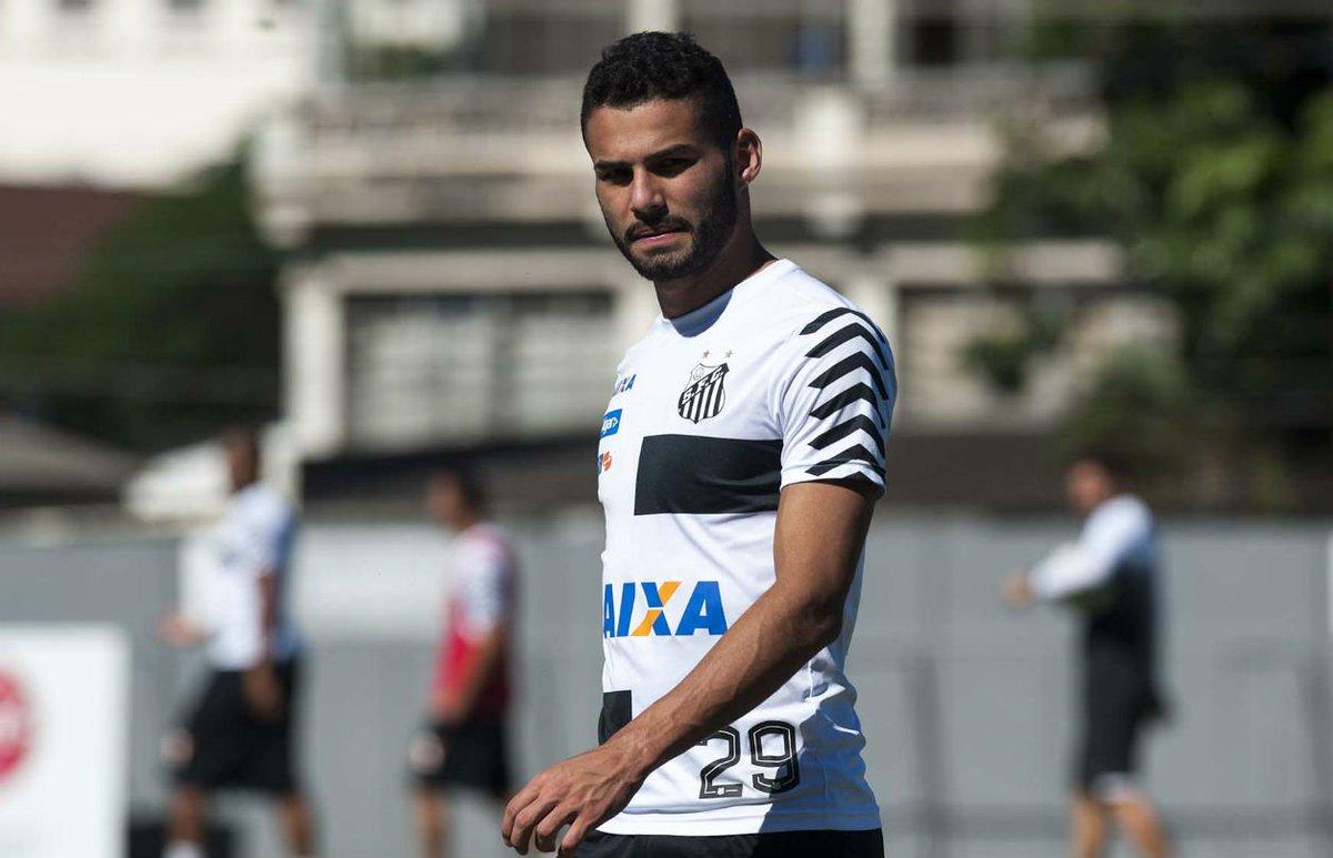 Negócio fechado: Santos define venda de Thiago Maia e empréstimo de Caju para o Lille https://t.co/7RU0HVYTjy