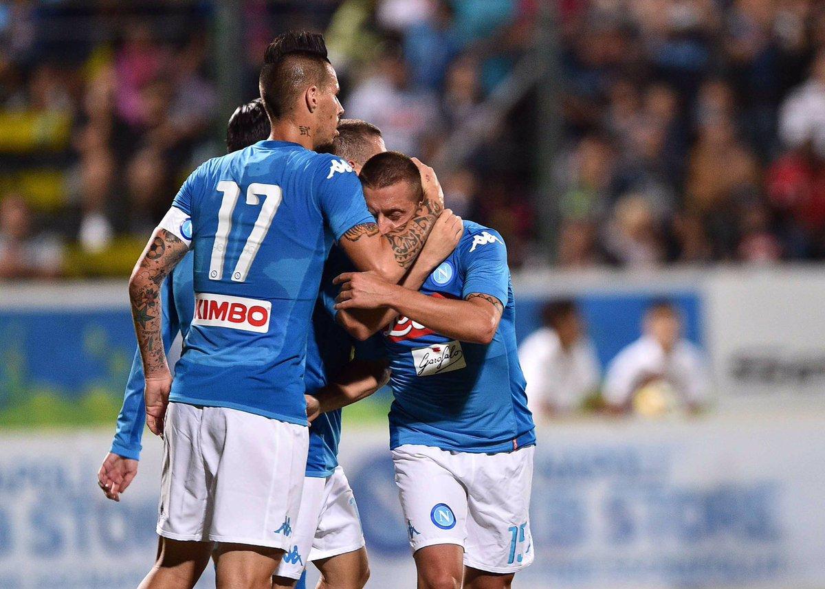Napoli-Trento 7-0: doppietta Milik e gran gol di Chiriches da metà campo